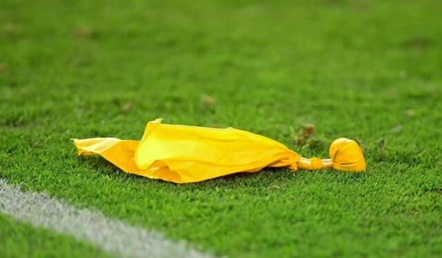 アメリカンフットボールのイエローフラッグ